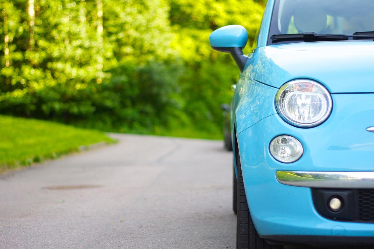 Car Parked Car Light Blue Parked  - Nannica / Pixabay
